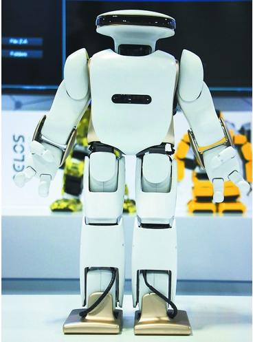 乐聚人形机器人吸引世界目光